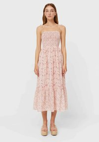 Stradivarius - MIT BLUMEN - Day dress - light pink - 0