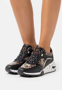 XTI - Zapatillas - black - 0
