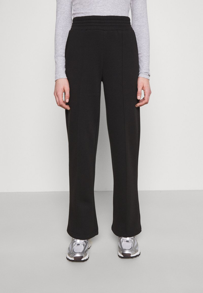 Pieces - PCCHILLI WIDE PANTS - Tracksuit bottoms - black
