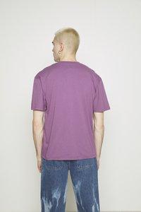 Edwin - UNEVEN LOVE UNISEX - Print T-shirt - chinese violet - 2