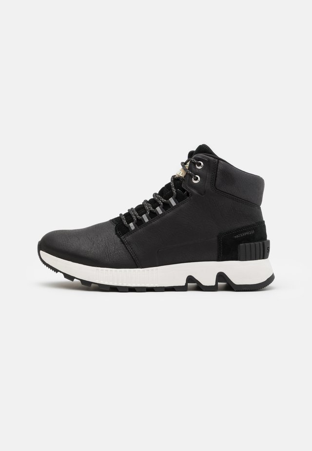 HILL MID WP - High-top trainers - black