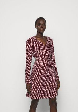 SAVILLE - Denní šaty - red
