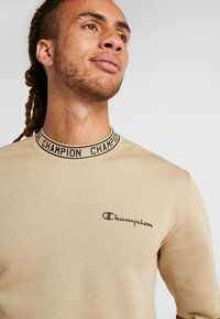 Champion - CREWNECK - Sweatshirt - tan - 3