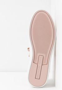 MICHAEL Michael Kors - IRVING LACE UP - Sneakers - soft pink - 6
