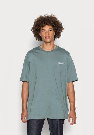 CHEST LOGO - T-shirt basic - balsam green