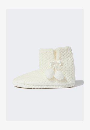 Ankle boot - ecru