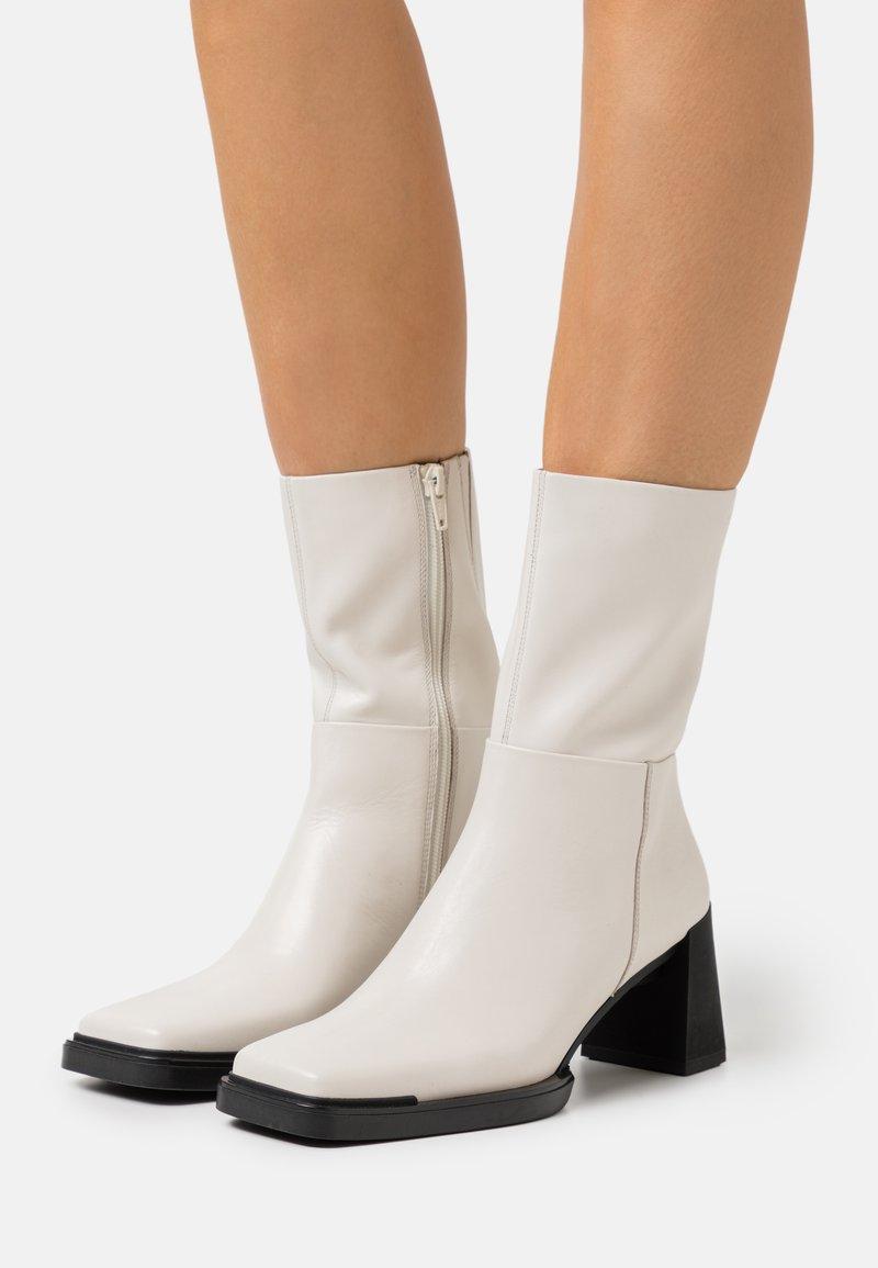 Vagabond - EDWINA - Classic ankle boots - offwhite