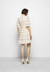 Needle & Thread - NANCY FRILL MINI DRESS - Koktejlové šaty/ šaty na párty - champagne - 2