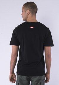 Cayler & Sons - STANCE TEE - Print T-shirt - black/mc - 1