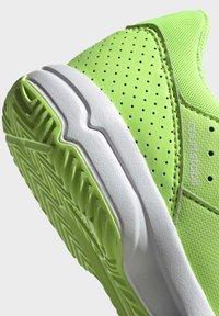 adidas Performance - COURT STABIL UNISEX - Handball shoes - siggnr/royblu/ftwwht - 7