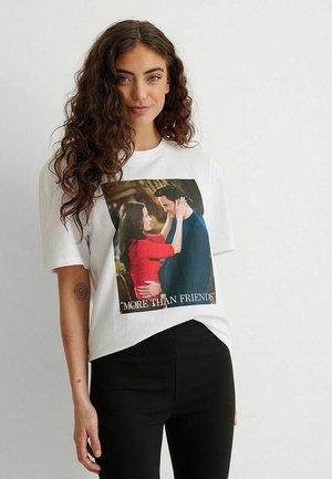 T-shirt imprimé - white more than friends