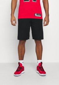 Nike Performance - Pantaloncini sportivi - black/white/university red - 0