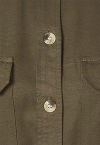 PIECES Tall - PCGEROMA MIDI SHIRT DRESS - Shirt dress - sea turtle - 5