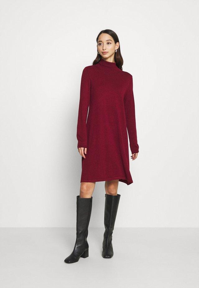 VMGLORY LS ROLLNECK DRESS COLOR - Strickkleid - cabernet