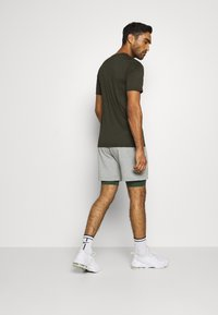Nike Performance - DRY TEE CAMO - Print T-shirt - sequoia - 2