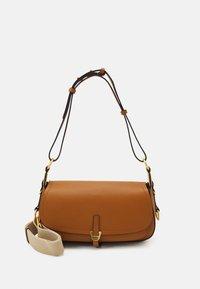 Coccinelle - FAUVE SHOULDER BAG - Across body bag - caramel - 0