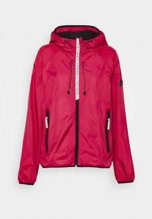 JACKET - Summer jacket - fuchsia