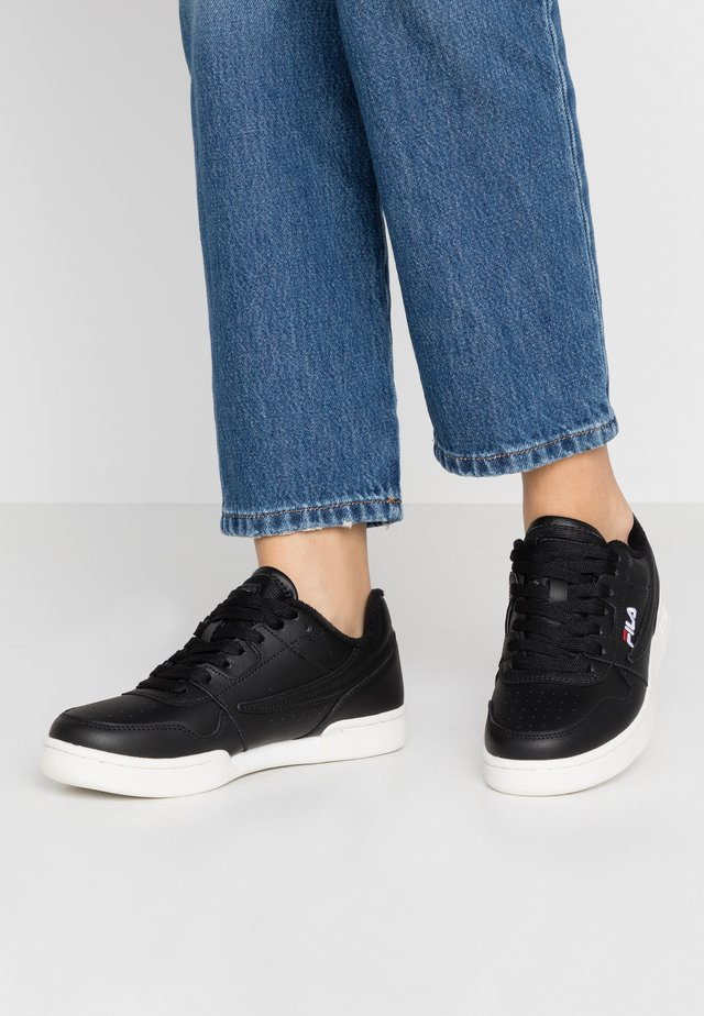 ARCADE - Baskets basses - black