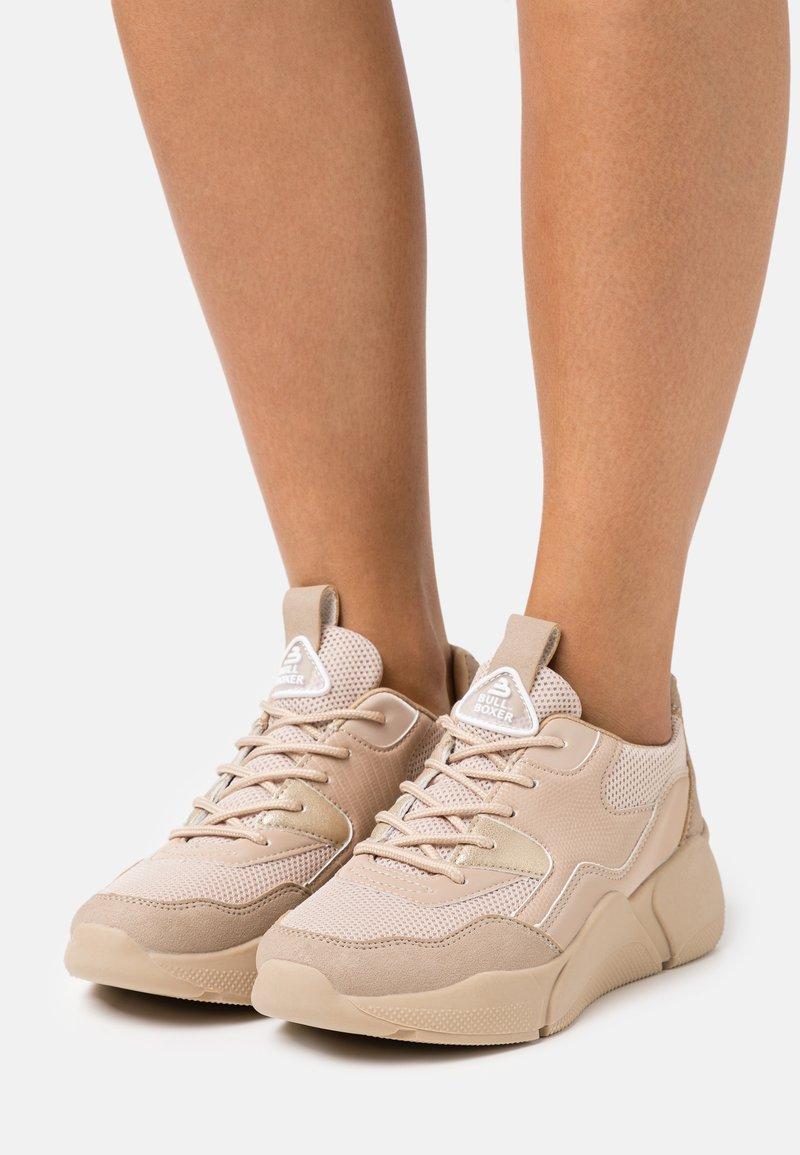 Bullboxer - Sneakersy niskie - light brown