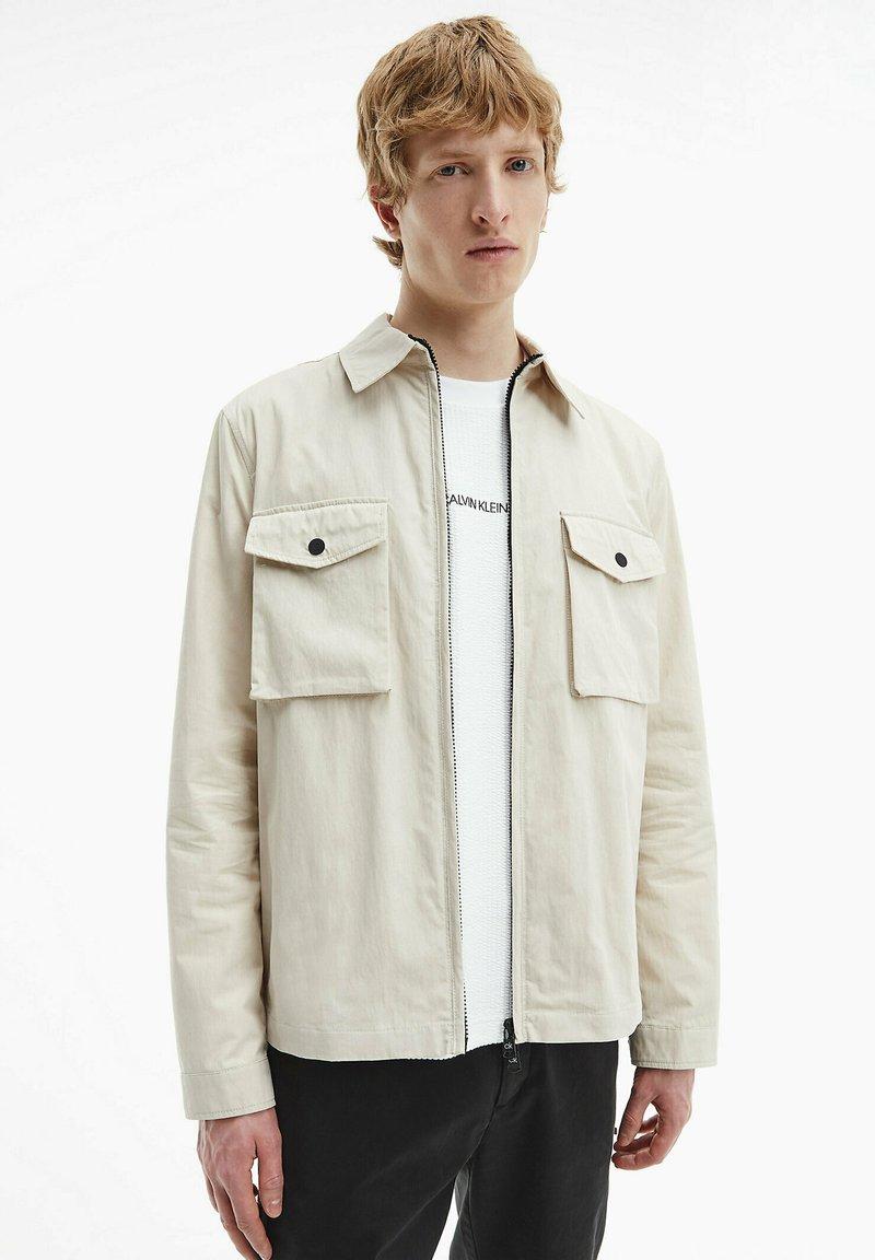Calvin Klein - Light jacket - bleached stone