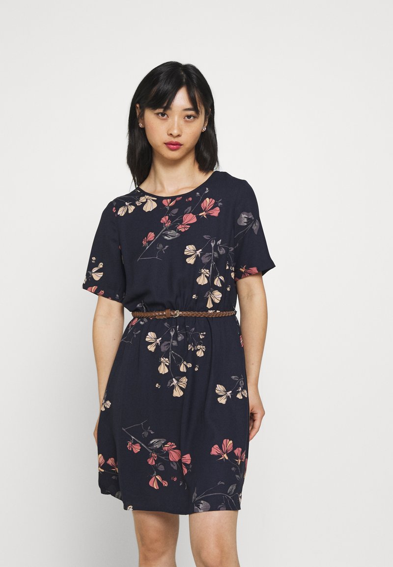 Vero Moda Petite - VMANNIE BELT SHORT DRESS PETITE - Day dress - night sky