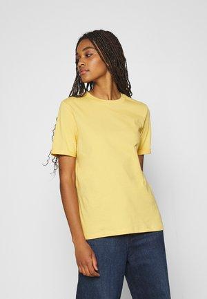 PCRIA FOLD UP SOLID TEE - T-shirt basic - ochre