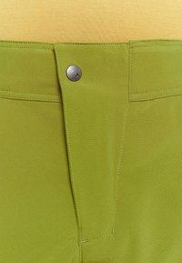 Vaude - MENS LEDRO - Outdoor shorts - avocado - 3