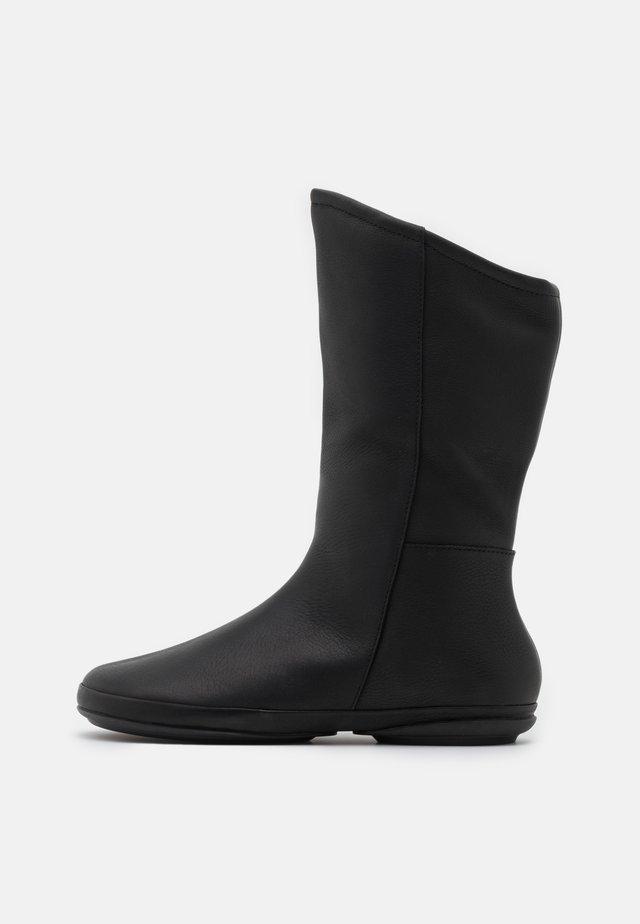 RIGN - Vysoká obuv - black