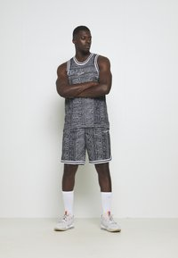Nike Performance - DRY CITY EXPLORATION SEASONAL - Sports shirt - black/white - 1