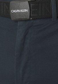 Calvin Klein - GARMENT - Shorts - calvin navy - 2