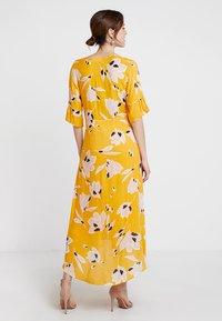 InWear - ROISIN DRESS - Robe longue - sunny yellow medium - 3