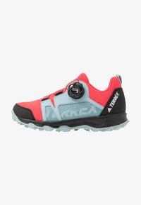 shock pink/footwear white/ash grey