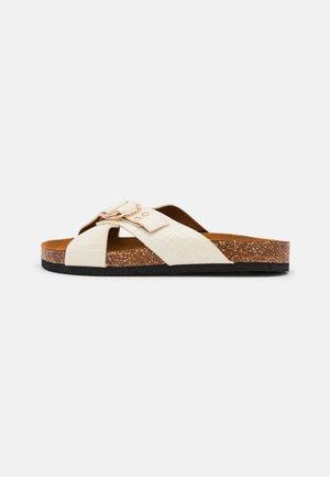 ONLMAXI CROSSOVER - Pantofle - offwhite