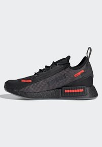 adidas Originals - NMD_R1 SPECTOO UNISEX - Trainers - core black/grey five/solar red - 7