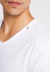 Replay - Basic T-shirt - white - 5