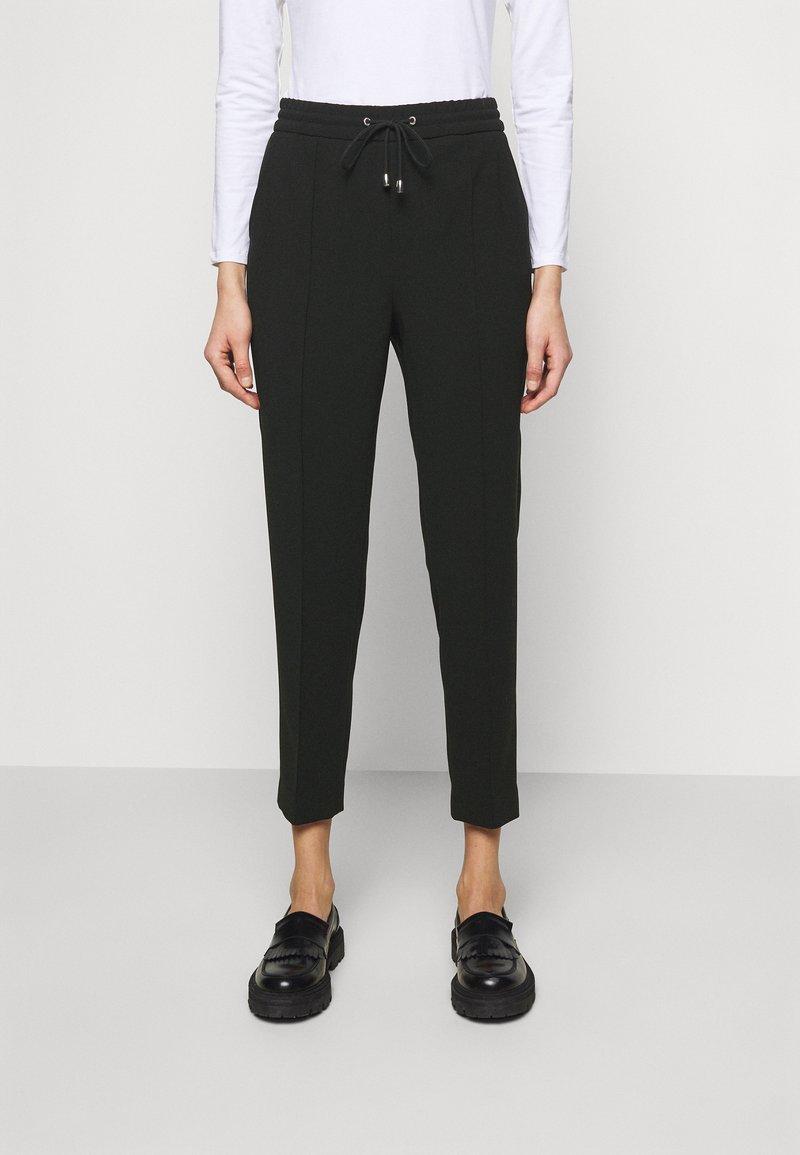 Filippa K - FIONA DRAPEY TROUSER - Kalhoty - black