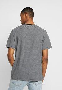 Scotch & Soda - CLASSIC CREWNECK TEE - Print T-shirt - grey - 2