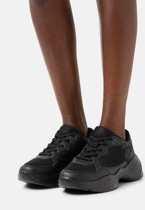 DISNEY - Baskets basses - black
