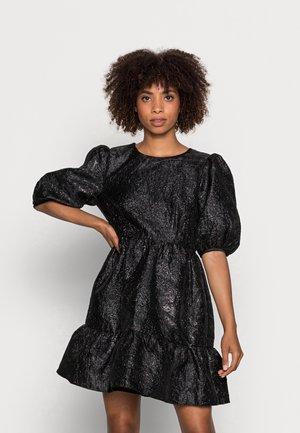 WILDER DRESS - Cocktailklänning - black metallic