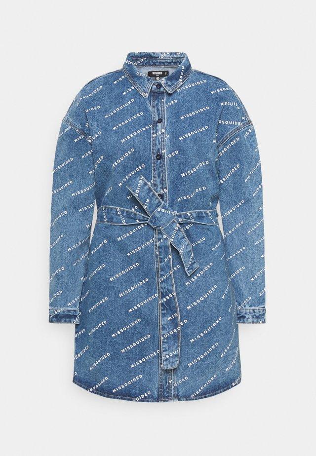 PLUS  DRESS - Denimové šaty - blue