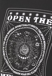 Even&Odd - T-shirt med print - anthracite - 5