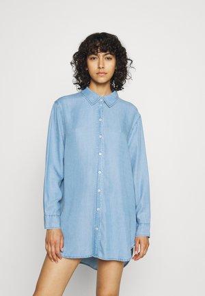 ONLNICKY  - Button-down blouse - light blue denim