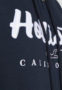 Hollister Co. - TECH CORE  - Sudadera con cremallera - navy - 5