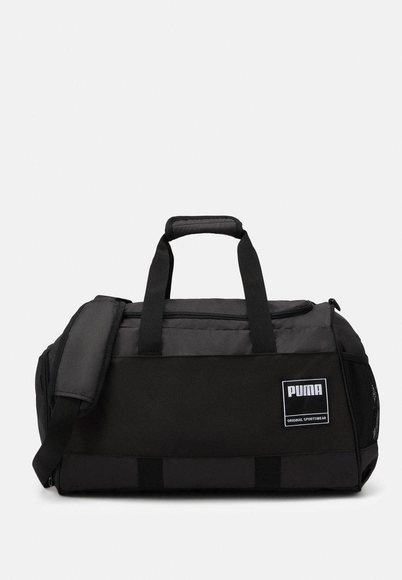 Puma - GYM DUFFLE - Treningsbag - black