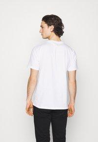Carhartt WIP - FORTUNE - Print T-shirt - white - 2