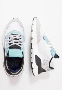 adidas Originals - NITE JOGGER - Sneakers laag - footware white/easy mint - 1