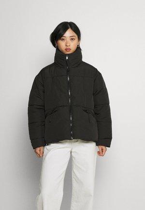 PCFREEDA SHORT PUFFER JACKET - Winter jacket - black