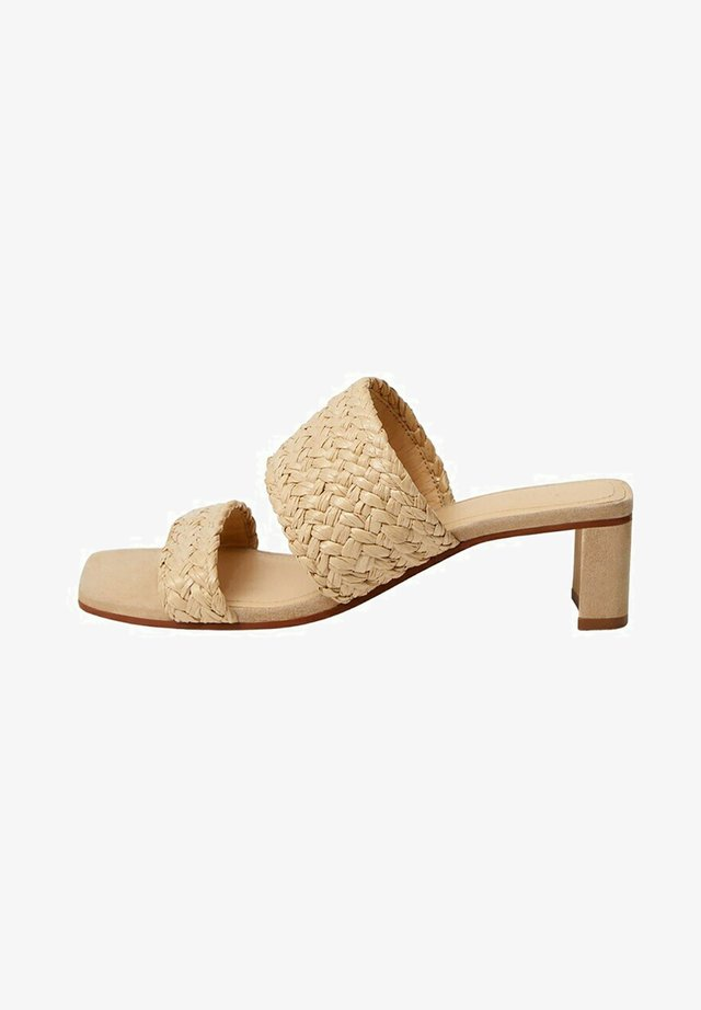 Pantofle na podpatku - ecru