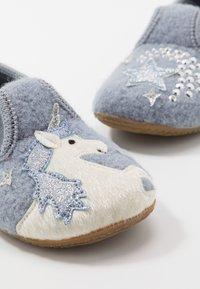 Living Kitzbühel - T-MODELL EINHORN UND STERN - Domácí obuv - pearl blue - 6