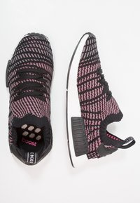 adidas Originals - NMD_R1 STLT PK - Tenisky - core black/grey four/solar pink - 1